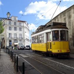 Tram in der Altstadt