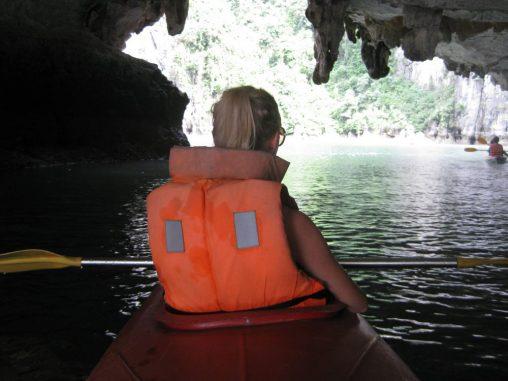 Kanu fahren in der Halong Bay