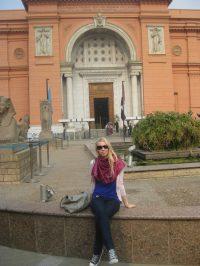 Vor dem ägyptischen Museum