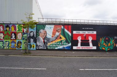 Wandmalerei im Katholischen Viertel